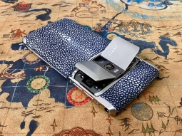 Vertu New Signature Touch StingGray